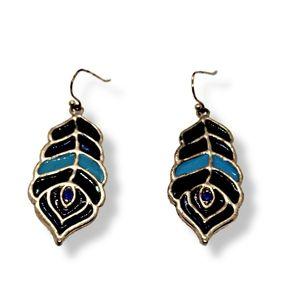 🔴 15/$25. Multicolor Dangling Earrings